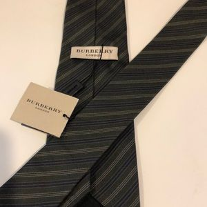 Burberry Tie- New with tags! 100% Silk